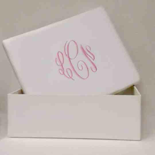 B21R-MS-White-Matte-Satin-Style-38-Baby-Pink-Thread