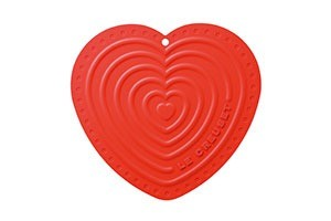 HeartPotHolder_CR-le-creuset-marcelineke