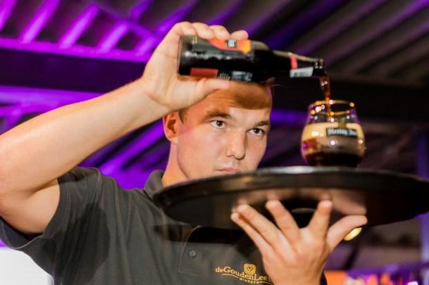 bier, Precisie, concentratie en enthousiasme bij het tappen van bier