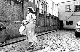 Em 1980, a prova de fogo, quando o marido ficou preso 31 dias. Ela levava comida para ele.
