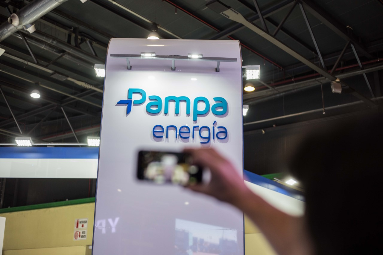 Pampa Energía en Oil y Gas - 1