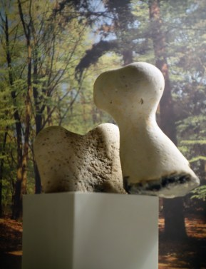 Two Forms, Ode to Barbara Hepworth - one day sculpture - Januari 12 - Munari ashtray, found stones and museum catalogue - 15 x 10 x 6 cm.