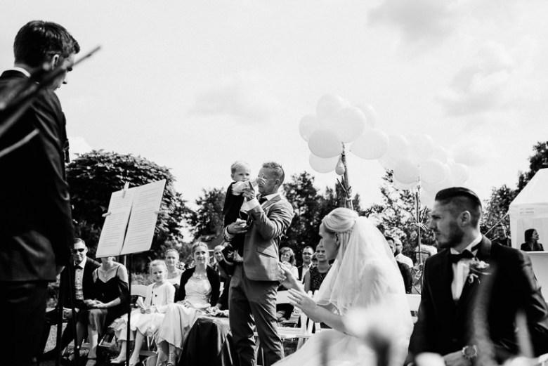 Hochzeitsfotograf Dresden Radebeul Weingut Drei Herren Julius Kost 020 Isa & Friedi - Hochzeit mit freier Trauung im Weinberg Willsdruff, Weingut, Radebeul, Gästehaus Hoflößnitz, Drei Herren