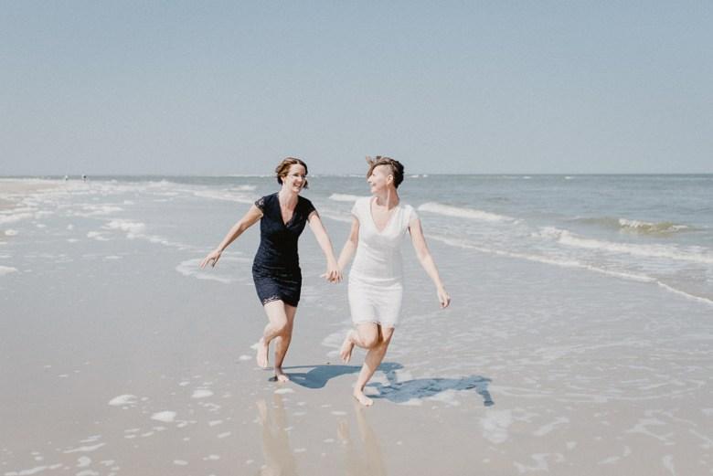 Hochzeitsfotograf Langeoog Nordsee Ostfriesische Inseln 037 Elopementhochzeit auf Langeoog verliebt, Reportagefotografie, Reportage, Liebe, Langeoog, Hochzeitsfotografie, Hochzeit, gleichgeschlechtlich, Fotoreportage, Elopement