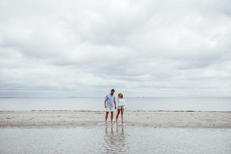 Hochzeitsfotograf Ostsee Ruegen Usedom Strand Paarshooting Engagement 021 Eine kleine Ostseebriese - Kennenlernshooting am Strand