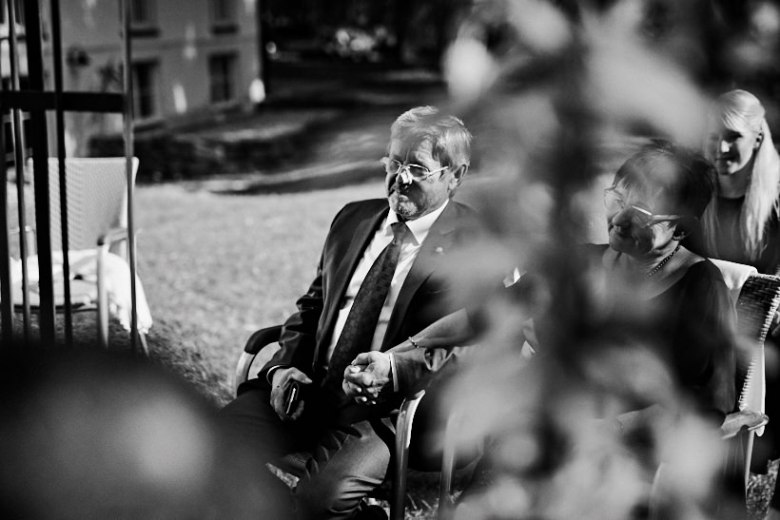 Marcel schroeder Hochzeit Fotograf Dresden Lausitz Flugplatz Bautzen 22 Verliebt über den Wolken Weingut, Weinberg, Verlobungsshooting, verlobt, verliebt, Reportagefotografie, Reportage, Paar, Liebe, Hochzeitsfotografie, Hochzeit, Fotoreportage, Fotografie, Fotograf, Engagement