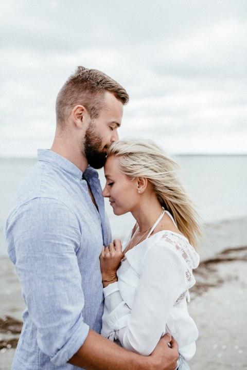 Hochzeitsfotograf Ostsee Ruegen Usedom Strand Paarshooting Engagement 008 grenzenloseliebe