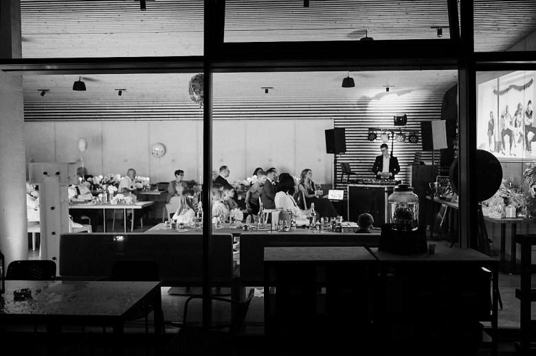 Marcel Schroeder Fotograf Bieleboh Loebau heiraten Bautzen Berghochzeit Reportage Hochzeit 121 Berg-Hochzeit auf dem Bieleboh verliebt, Reportagefotografie, Reportage, Liebe, Langeoog, Hochzeitsfotografie, Hochzeit, gleichgeschlechtlich, Fotoreportage, Elopement
