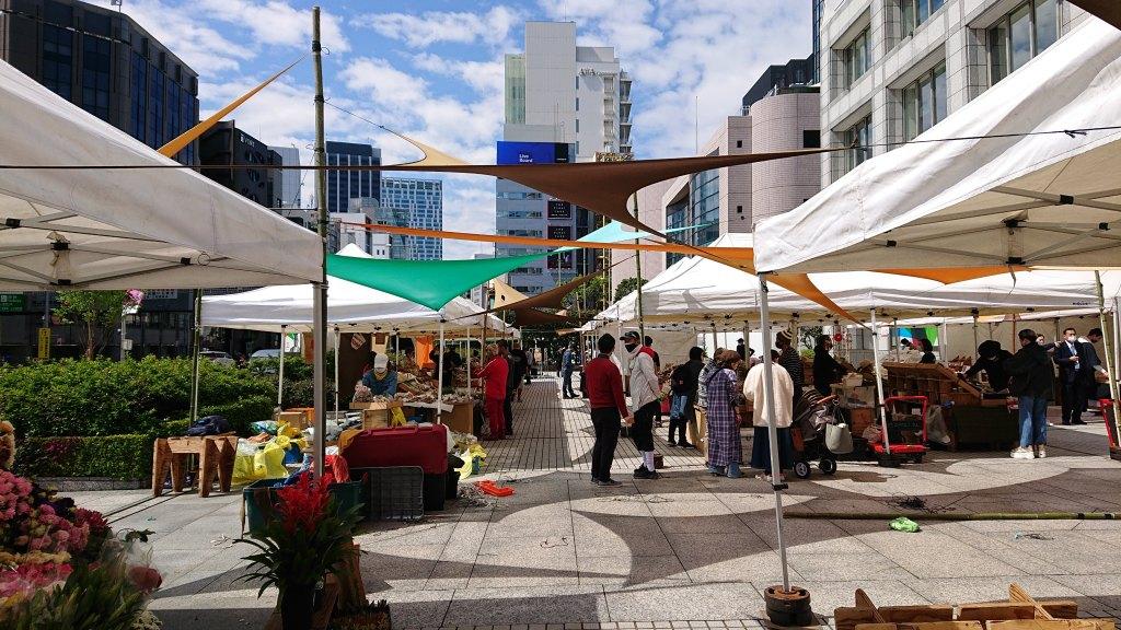 Farmers-Market-at-UNU20210410(14)