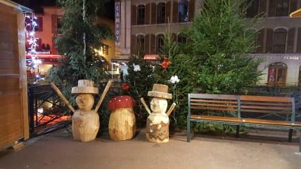Découvrez la splendide décoration du marché de noël d'Annecy