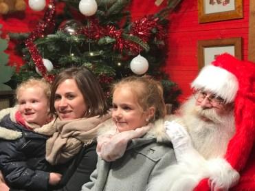 Photo de famille avec le Père-Noël