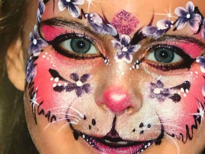 maquillage-pour-enfants-marche-de-noel-nantes-2018.jpg
