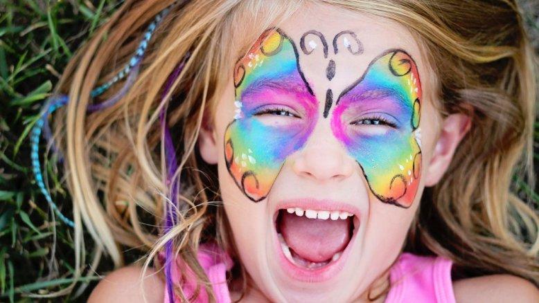maquillage-pour-enfants-marche-de-noel-angers-2018-1