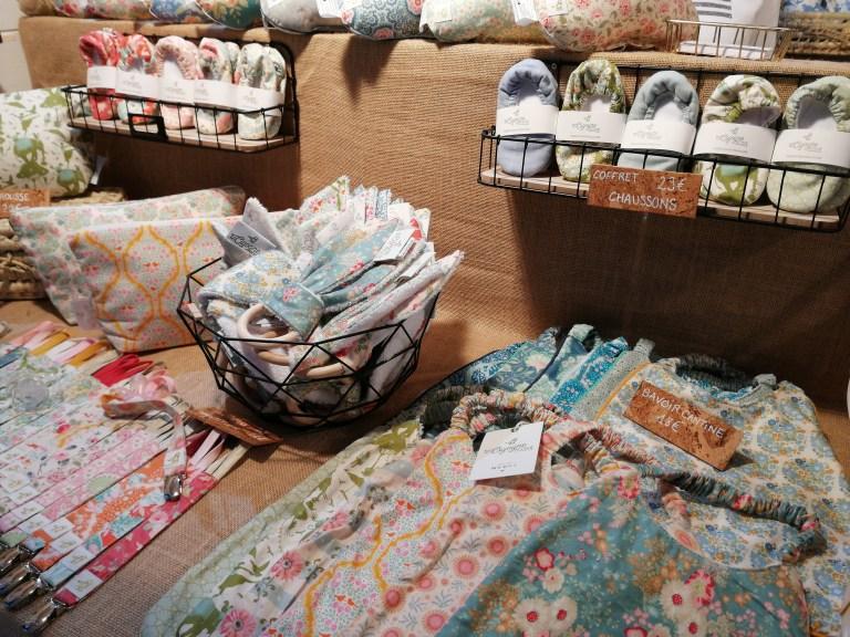 Articles cadeaux artisanaux sur le marche de noel de boulogne-billancourt