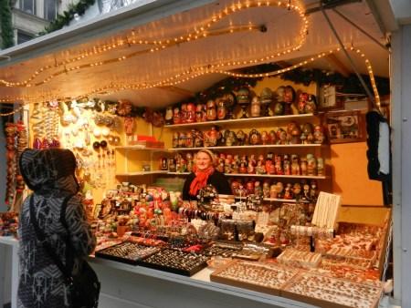 Chalet d'artisanat russe sur le marché de noël de Rouen