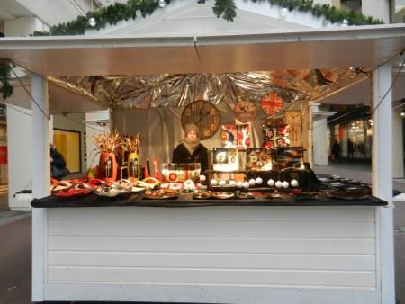 Chalet de décorations sur le marché de noël de Rouen