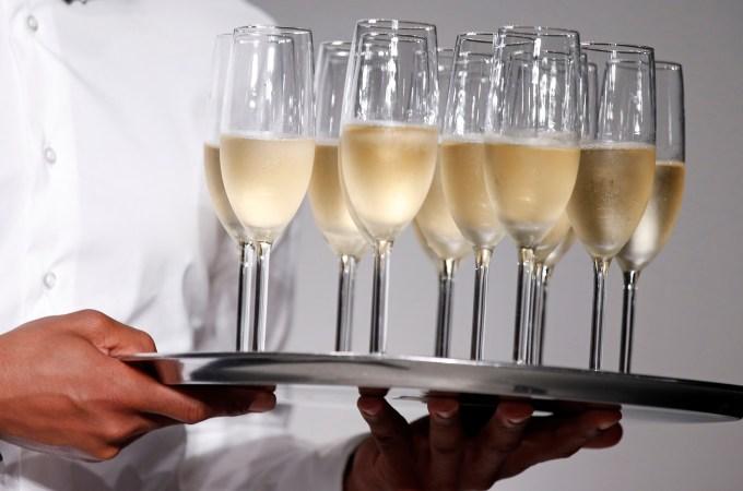 Champagne! Eu vi estrelas!