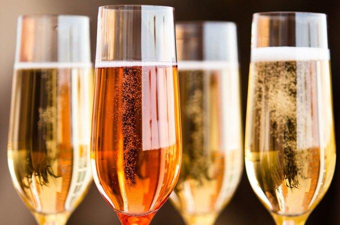 Está chegando a temporada de comprar Cavas, Proseccos, Champagnes…