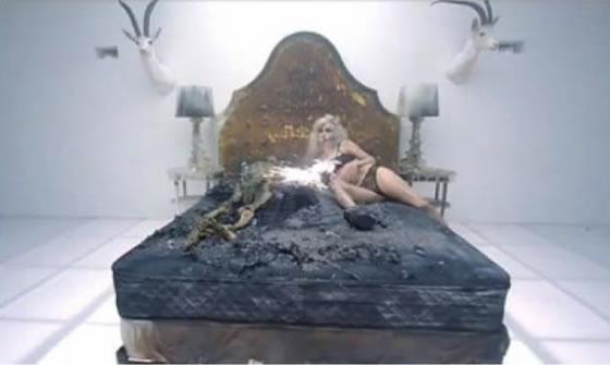 lady gaga pacto diablo