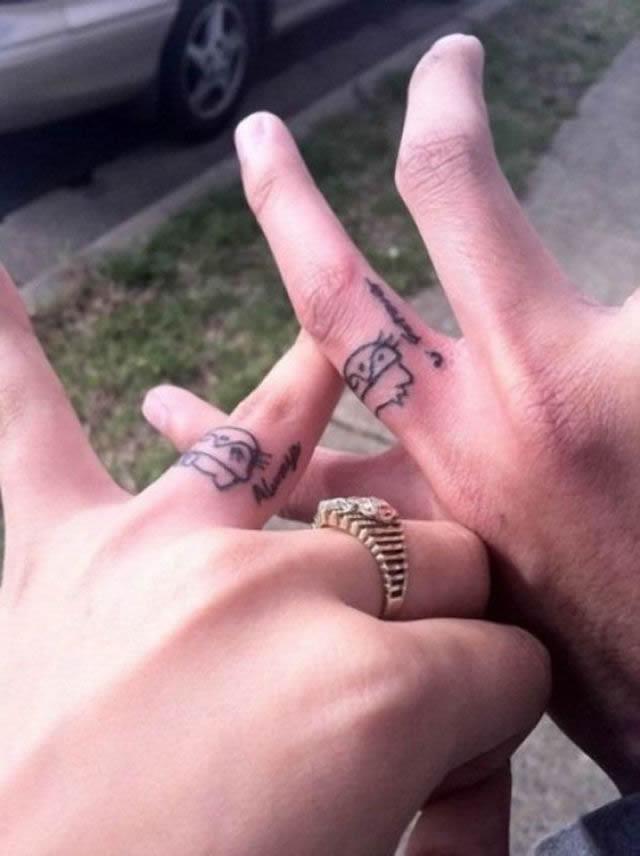 Los 45 Mejores Tatuajes De Anillos De Bodas Marcianos