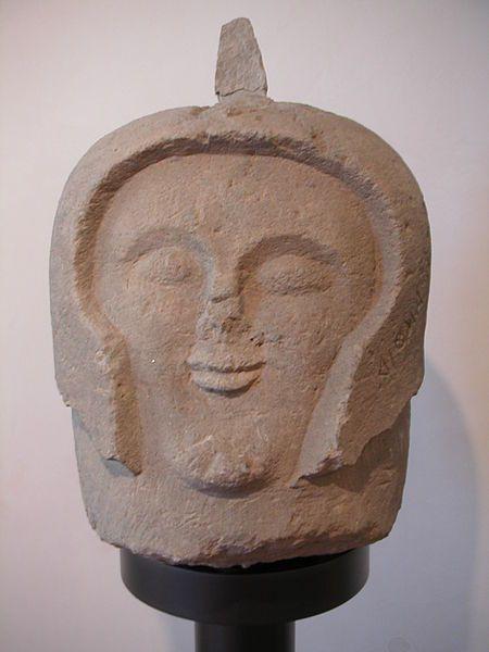 cabeza de guerrero etrusco