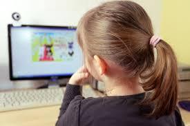 Internet, les enfants et la pornographie
