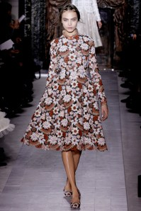 valentino-couture-spring-2013-20_172018467522