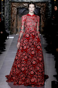 valentino-couture-spring-2013-35_172030122763