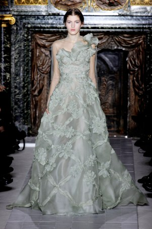 valentino-couture-spring-2013-43_172036290813