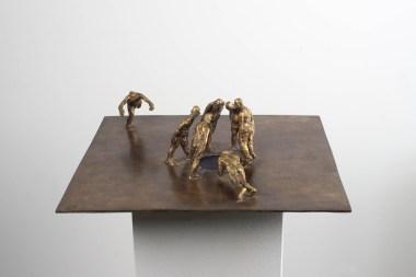 Die Sache mit dem Loch, Bronze, 1996, B 40 x T 40 x H 10 cm