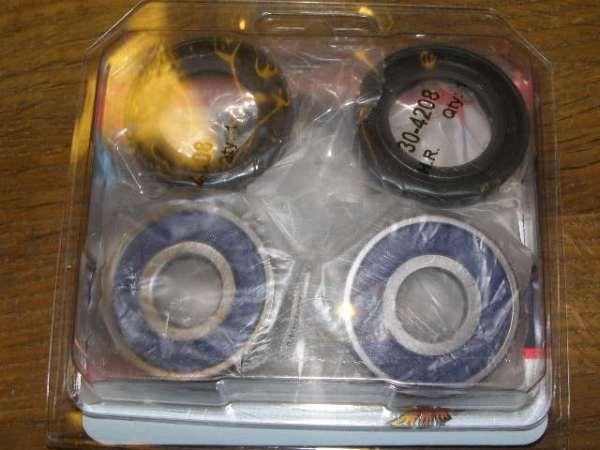 Voorwiel lager setje 2 x 6302-2RS 1 x SEAL 27-42-7 1 x SEAL 40-50-5 CX500 GL500 CX500C
