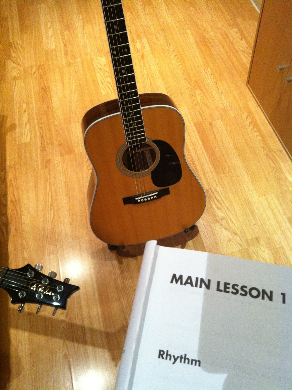 Acoustic Guitar Lesson in London With Marco Cirillo. Beginners - Advanced Guitar Lesson. Acoustic Guitar Lesson in London - Kilburn - Cricklewood - Willesden Green - Maida Vale with Marco Cirillo Guitar Teacher in London