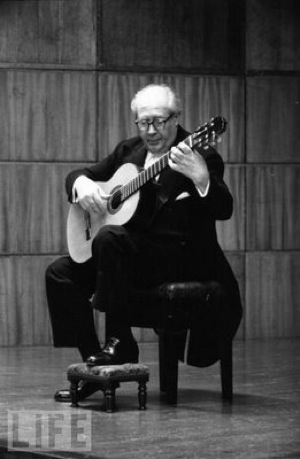 Footstool Classical Guitar Lesson in London - Kilburn - Central London - Kensington Area with Marco Cirillo, Classical Guitar Tutor in London. Learn How to Play Classical Guitar in London.