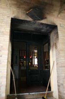 porta andata a fuoco