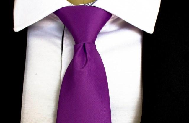 gravata em ultravioleta