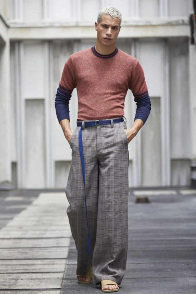 calça larga Perry Ellis