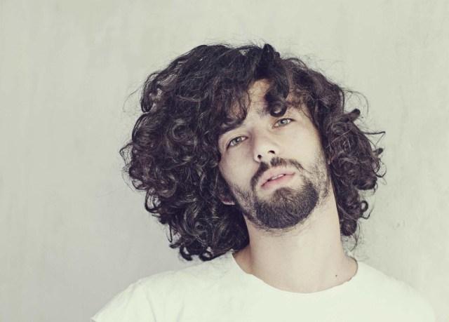 cabelo masculino cacheado longo