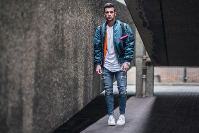 Outfit masculino com jaqueta bomber
