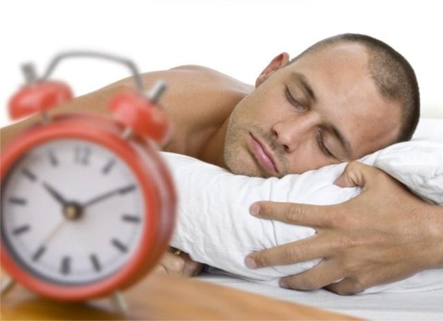 descanse por 7 a 9 horas