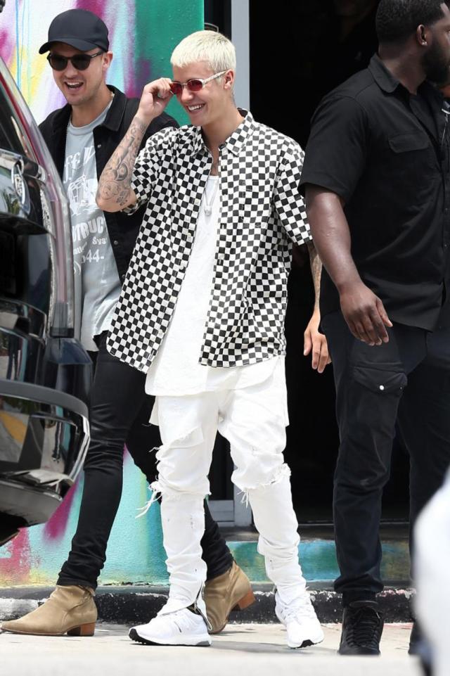 Camisa quadriculada do Justin Bieber