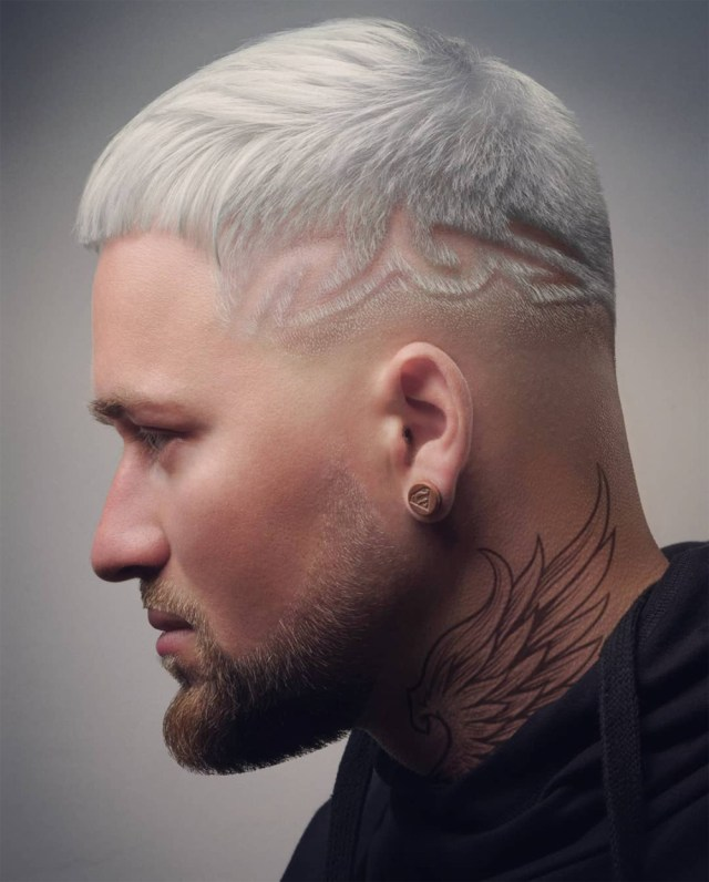 Corte de cabelo masculino platinado