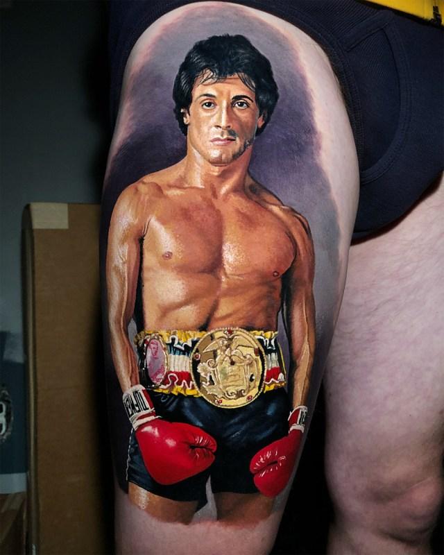 Tatuagem realista colorida do Rocky Balboa