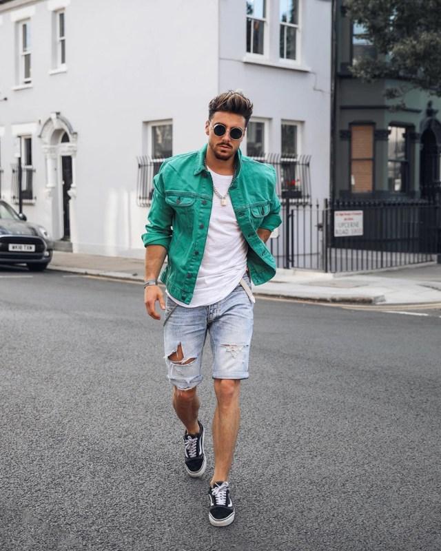 Moda para homens: bermuda jeans destroyed
