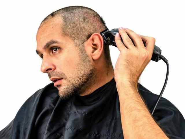 Raspar faz o cabelo crescer?