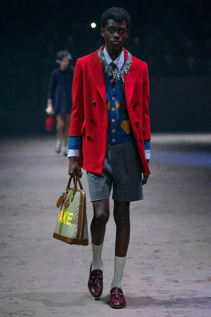 Desfile de moda masculina outono-inverno 2020 Gucci