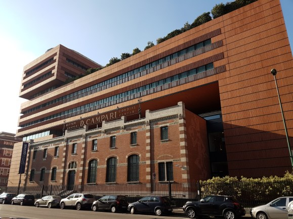 Foto Palazzo, visita alla galleria Campari