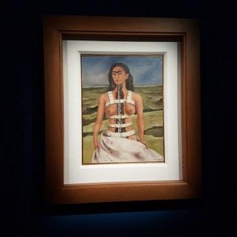 la mostra di frida Kahlo a Milano - il volto di Frida Kahlo La colonna spezzata