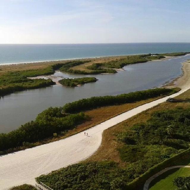 Tiger Tail beach lagoon