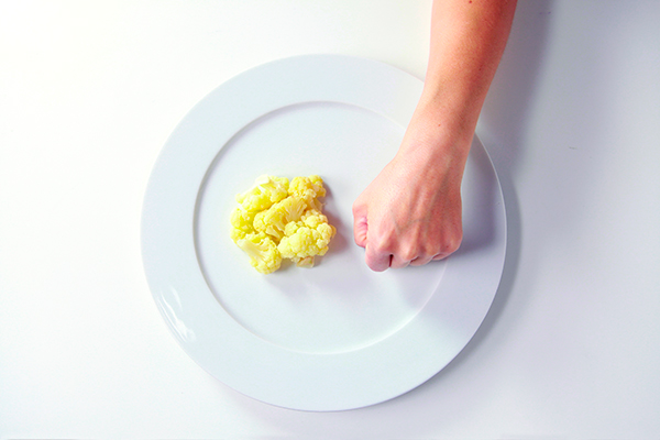 Precision-Nutrition_Palm-Sized-Portions_Cauliflower-Example_Female