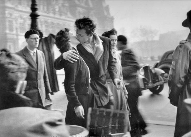 Le Baiser de l'Hôtel de Ville. Credit: Atelier Robert Doisneau
